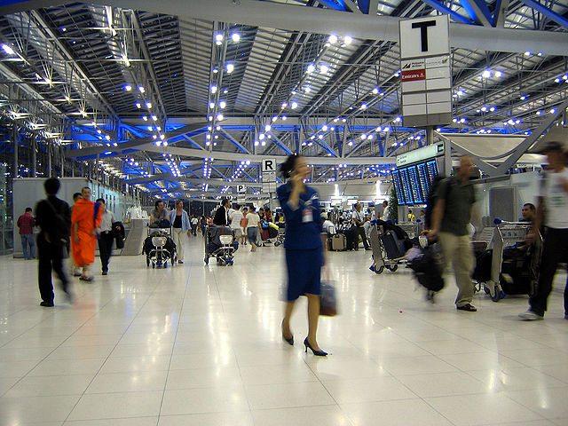 640px-Suvarnabhumi_Airport_Departures_Hall_Bangkok_Thailand